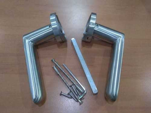Foto produk  8509 Hollow Lever Handle In 304 Sss, C/w 8Mm Spring Loaded Rose And Bolt Through Screws di Arsitag